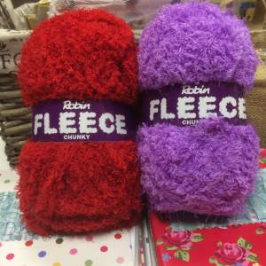 Two new shades of Robin Fleece 100g